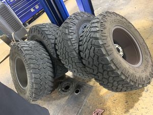 35x12.5R17 35 12.5 17 tires only no rims for Sale in Hollywood, FL