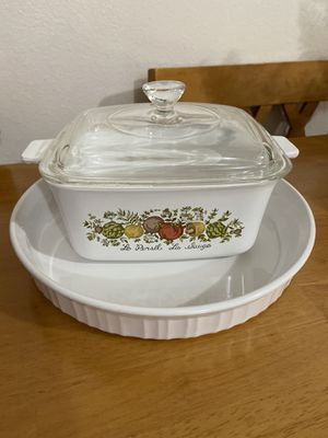 "Corning Ware Pyrex ""Spice if Life"" Baking Oven Casserole Dish with Lid and White Baking Pan 10"" D Lot of 2 for Sale in University Place, WA"
