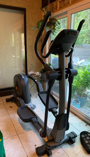 Elliptical machine pick up only for Sale in Kirkwood, NJ
