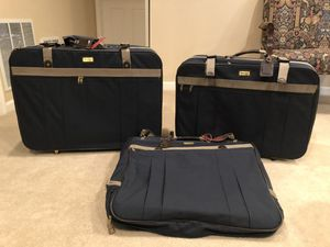 3 piece Hampshire luggage set mostly new for Sale in Germantown, MD