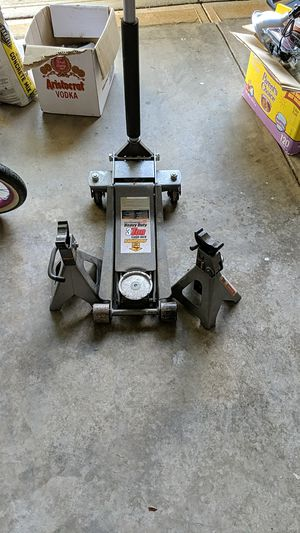 Pittsburgh floor jack and Jack stands for Sale in Fort Mill, SC