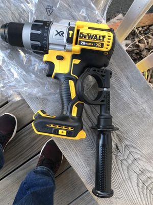 Drill solamente la herramienta no batería no cargador ok for Sale in Lynn, MA