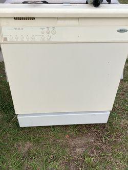 Whirlpool dishwasher for Sale in Ocala,  FL