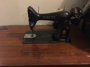 Very Antique Singer 150 for Sale in Pawtucket, RI