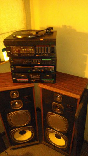 MCs series amp, tuner, turntable, CD, and tape stereo system with speakers for Sale in Obetz, OH