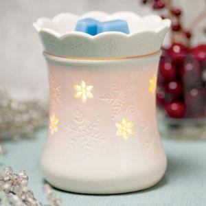 Scentsy blizzard snowflake wax warmer for Sale in Tacoma, WA