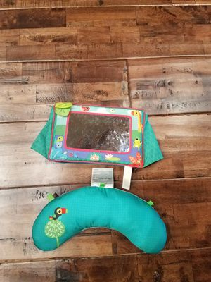Tummy Time Pillow and Mirror for Sale in Buckley, WA