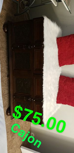 coffee table in very good condition! $75.00 for Sale in Denver, CO