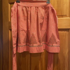 Two Vintage Aprons for Sale in Pequot Lakes, MN