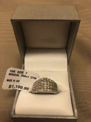 WHITE GOLD 10K RING & 1 CARAT DIAMOND 💎 💍 SIZE 7 , FOR SALE $600. OBO for Sale in MAGNOLIA SQUARE, FL