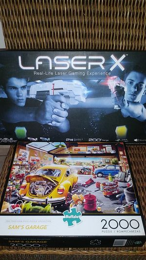 2 player Laser tag gaming experience and 2000 piece Sam's garage puzzle for Sale in Miramar, FL
