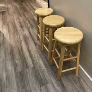 """Round Swivel Solid Wood Stools 24""""H for Sale in Vancouver, WA"""