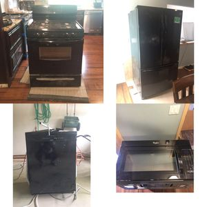 Kitchen Appliances Set for Sale in Euclid, OH