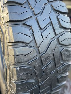 35/12.50R17 Toyo Mt $350 for Sale in Whittier,  CA