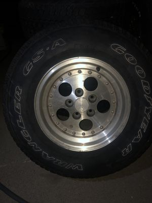 Jeep Set of wheels /tires $180 or best offer for Sale in Sacramento, CA
