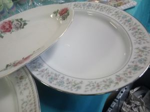 Platters and things $7 for Sale in Norfolk, VA