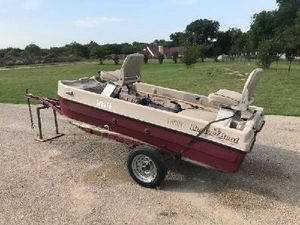 Trophy series buster boat, barely used trolling motor, battery w/trailer. for Sale in San Antonio, TX
