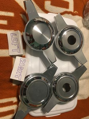 Mismatch set of Zenith Style wheel spinners for Sale in Niederwald, TX