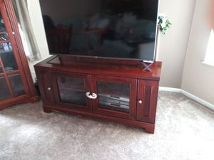 Tv stand come get it now for Sale in Westlake, OH