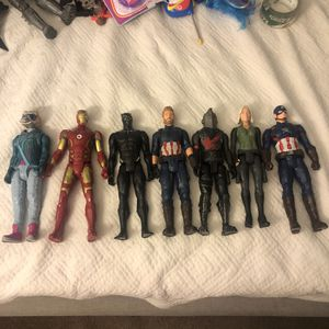 7 figurines set! Collection collectible ! Marvel for Sale in Sanford, FL
