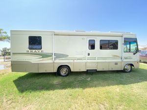 I am selling my 2003 Winnebago brave class A motorhome only 30 foot with one large super slide out in immaculate condition very nice and clean it for Sale in Surprise, AZ