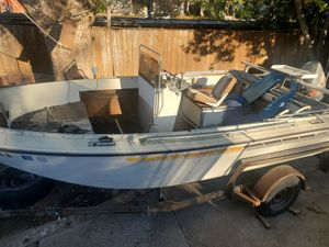17ft Grumman aluminum fishing boat with 75hp for Sale in Carmichael, CA