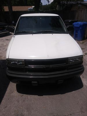Chevy s10 automatic cold a/c 4 cylinder for Sale in Tampa, FL