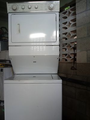 Whirlpool washer/dryer stackable for Sale in Honolulu, HI