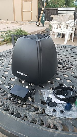 PetSafe Dog Collier. Not a shock Collier , it vibrates. 2 1/2 years old. In great condition for Sale in Lake Elsinore, CA