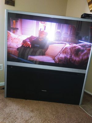 "5""5 Toshiba Floor Model Projector Television . You must pick up, in my garage. I don't have the original remote. for Sale in Manassas Park, VA"