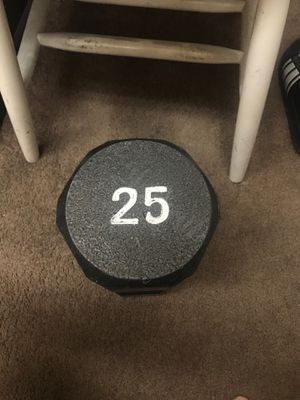 25 pound dumbbell for Sale in Long Beach, CA