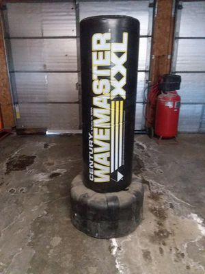 Wavemaster XXL punching bag for Sale in Sioux City, IA