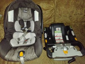 It's a Chicco Infant Care Seat with Base! for Sale in Temple, TX
