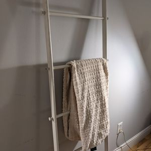 Ladder For Blankets/Towels etc (Like New) for Sale in Queens, NY