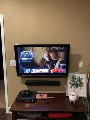 """41"""" HDTV Panasonic flat screen tv with wall mount for Sale in Apache Junction, AZ"""