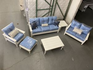Pollywood Outdoor Set Brand New! for Sale in Chicago, IL