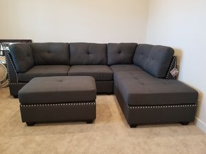 Furniture Of America Lita Gray Sectional with Ottoman for Sale in Duncan, SC