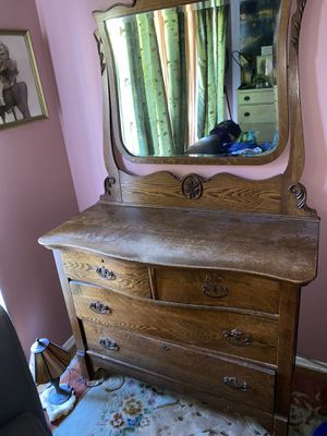 Antique Dresser! for Sale in Los Angeles, CA