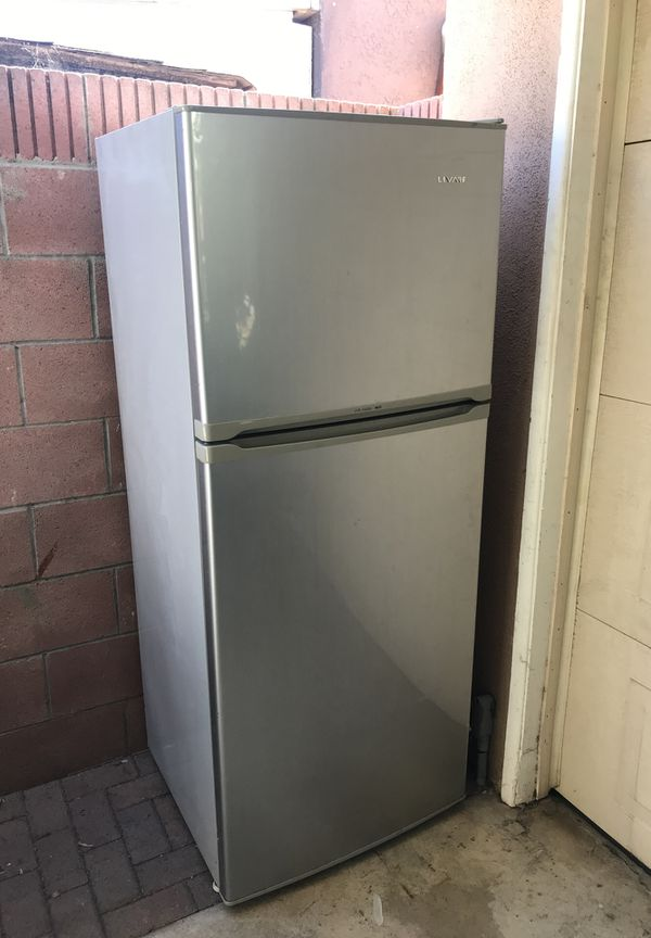 Refrigerator (silver)