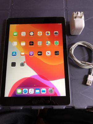 Unlocked Apple iPad 5th Gen. 128GB Wifi-Cellular for Sale in Lodi, CA