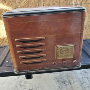 Antique Radio/Phonograph-Project for Sale in Delray Beach, FL
