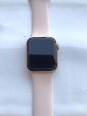 Apple Watch Series 4 (40mm) GPS+CELLULAR for Sale in Anaheim, CA