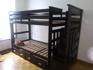 The bed cost over $500. Asking $250. 7 months Old must take it apart and pick up for Sale in St. Louis, MO