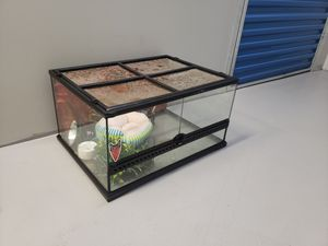 Exo Terra Tank w accessories for Sale in Beaverton, OR