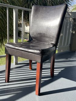 4 chairs FREE for Sale in Hallandale Beach,  FL