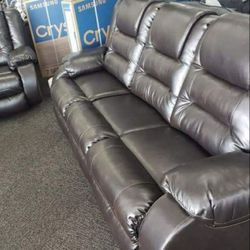 ASHLEY Vacherie chocolate reclining sofa and loveseat for Sale in Houston,  TX