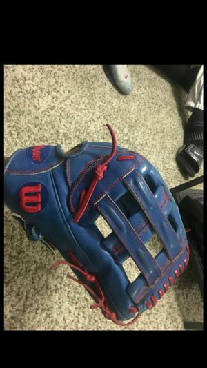 Wilson a2000 baseball glove for Sale in Chandler, AZ