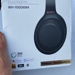 SONY HEADSETWH-1000XM4 NOISE CANCELING STEREO for Sale in Tulare, CA