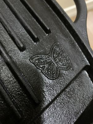 """cast iron meat grill 22"""" x 11""""5' Pioneer woman brand for Sale in Tempe, AZ"""