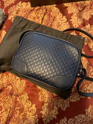 Gucci Crossbody Bag for Sale in Redford Charter Township, MI